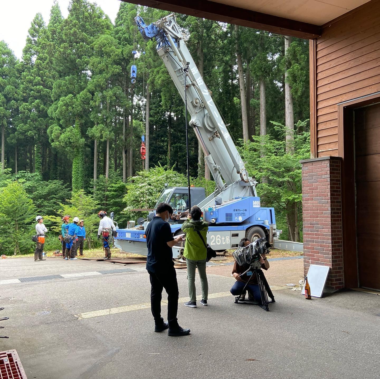 2日間に渡り石川テレビの取材を受けてます近日中に放送される予定️#伐採#特殊伐採#林業#石川テレビ#イット#石川県#白山市#鶴来#なかの林業